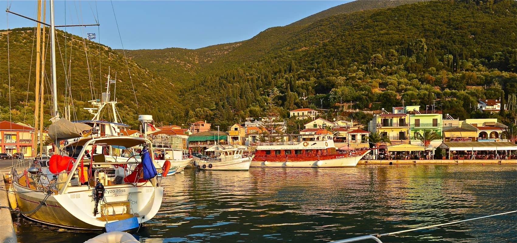 Cruise Ships Passengers Tours