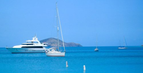 private-yacht-passengers-tours